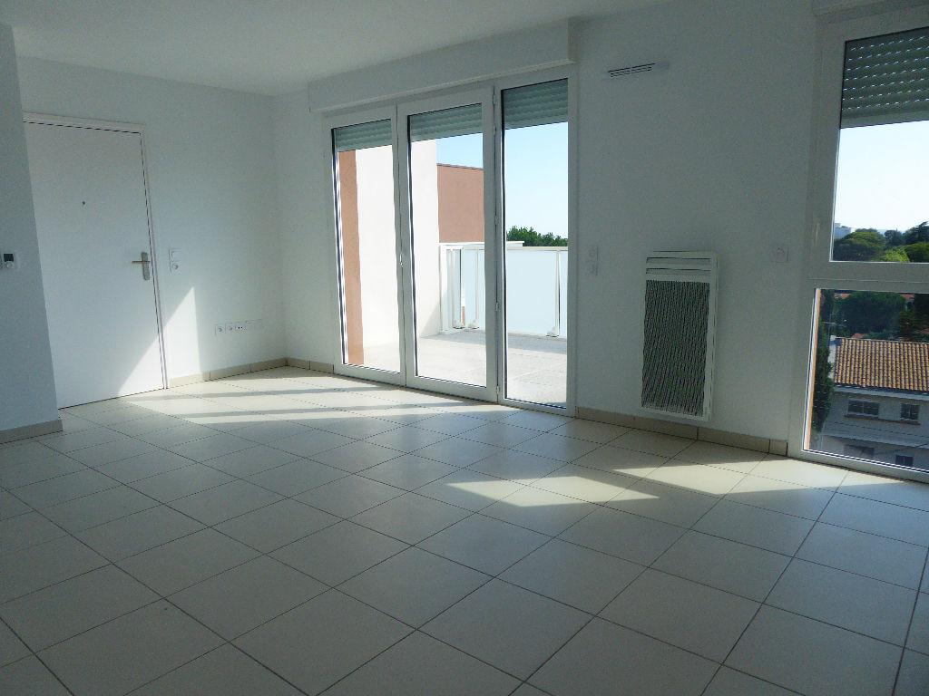 A Louer Appartement Montpellier 58 M² Ladresse Anne Saunier